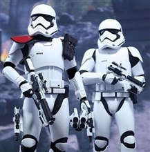 اکشن فیگور وارداتی STAR WARS  OFFICER AND STORMTROOPER Hot Toys